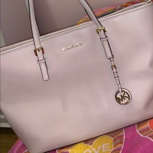 Light pink MK Tote w/ dust bag